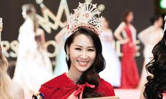 Dương Thùy Linh đăng quang Mrs Worldwide 2018