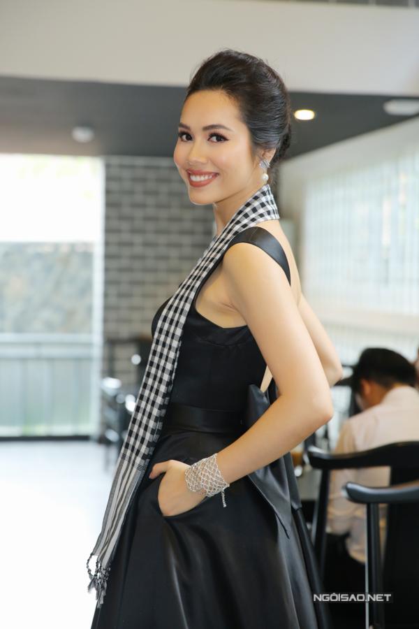 Đầu năm 2018, Hoàng My gây bất ngờ khi tuyên bố đóng face book và giữ kín mọi thông tin về bản thân.