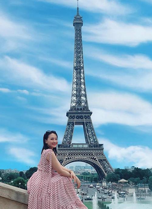Bảo Thanh tập làm phóng viên du lịch khi đích thân quay video giới thiệu cảnh đẹp ở các nước châu Âu như Pháp, Áo, Czech, Đức... trong kỳ nghỉ hè dài ngày của cô.