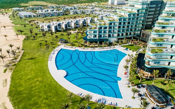 Vinpearl Resort & Golf Nam Hội An - quần thể du lịch nghỉ dưỡng và khám phá, với giá từ 3,5 triệu đồng đến 20,05 triệu đồng.