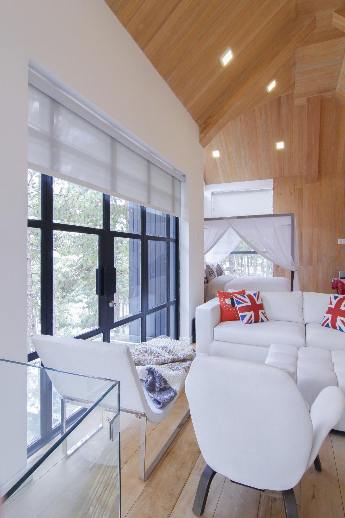 Biệt thự gỗ 25 tỷ đồng trong đồi thông của người mẫu Phan Như Thảo