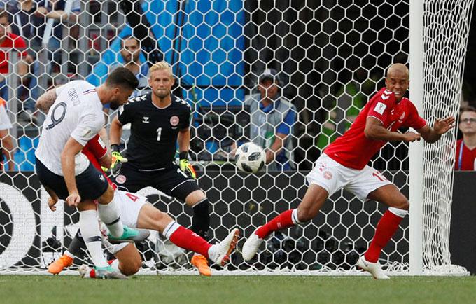 Pháp và Đan Mạch hòa không bàn thắng, dắt tay nhau đi tiếp - 1