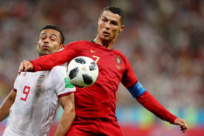 C. Ronaldo đá hỏng 11m, Bồ Đào Nha vẫn đi tiếp - 1