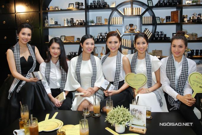 Dàn hoa hậu và á hậu nổi tiếng ăn mặc đồng điệu khi xuất hiện trong chương trình Hành trình từ trái tim  Hành trình lập chí vĩ đại  Khởi nghiệp kiến quốc cho 30 triệu thanh niên Việt