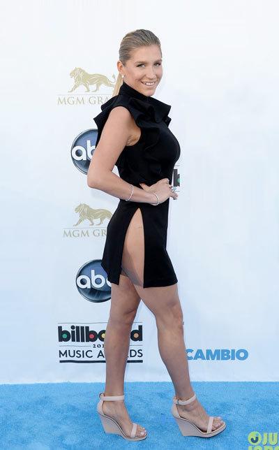 Kesha Billboard Music Awards 2013, Givenchy.