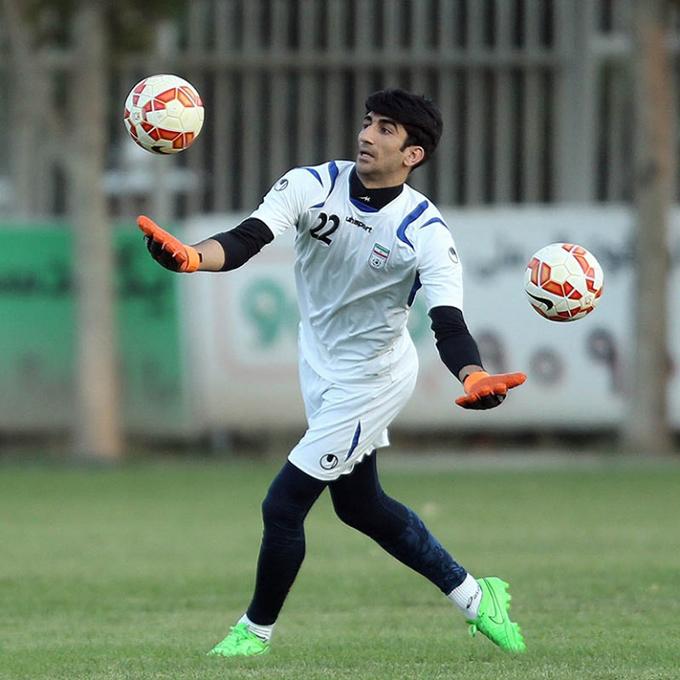 Beiranvand từng trải qua nhiều gian khó khi theo đuổi sự nghiệp cầu thủ. Ảnh: FV.