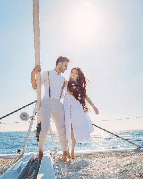 Sarah và Toby là một cặp tình nhân được hâm mộ trên mạng xã hội.