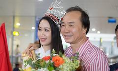 Bố Dương Thuỳ Linh ra sân bay đón con gái về nước