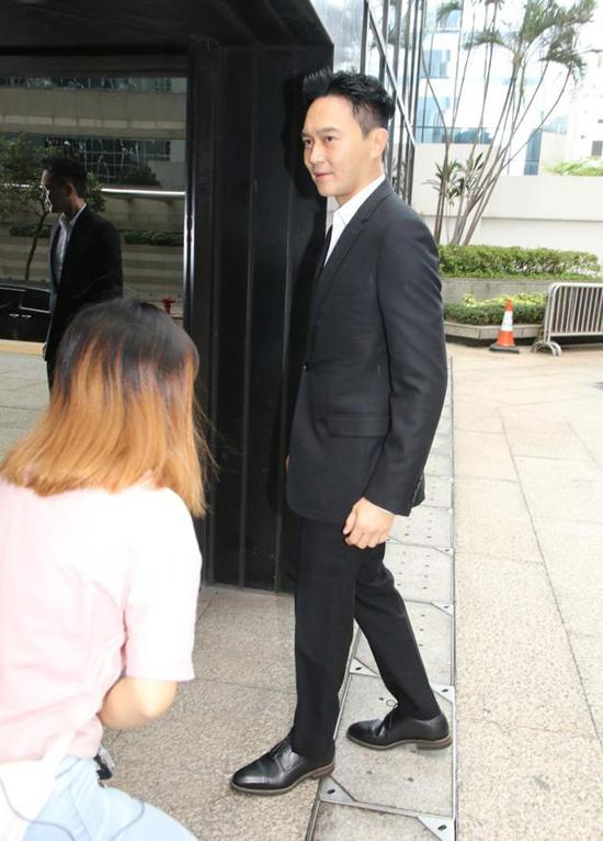 Trương Trí Lâm xuất hiện tại tòa án.