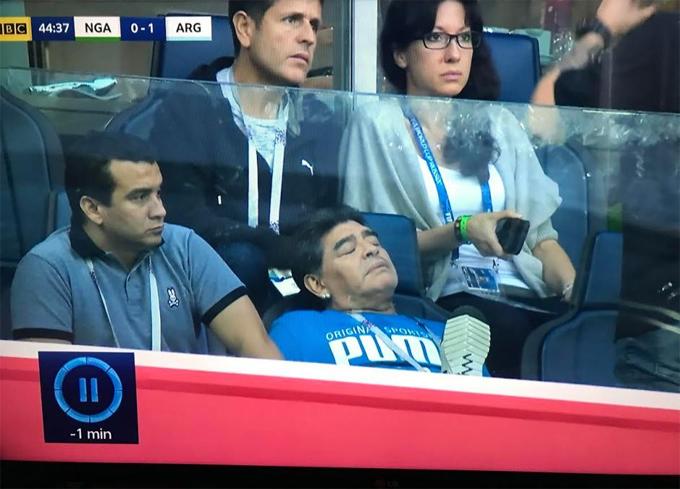 Maradona phải nhập viện sau khi Argentina chiến thắng - 2