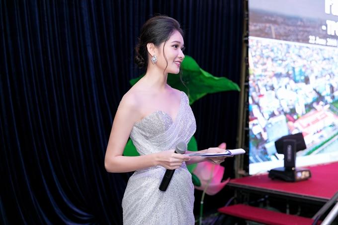 Hiện tại, Thuỳ Dung bận rộn tham gia các hoạt động của cuộc thi Hoa hậu Việt Nam 2018.