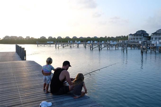 Siêu anh hùng của màn ảnh rộng tâm sự, những buổi chiều ngồi câu cá bên các con là khoảnh thời gian bình yên nhất với anh.