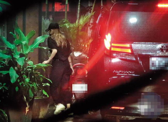 La Chí Tường và Chu Dương Thanh bị paparazzi chộp khi mặc đồ đôi khi tới ăn tối với gia đình tài tử họ La.