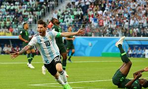 Messi khai hoả, Argentina thắng nghẹt thở Nigeria để đi tiếp