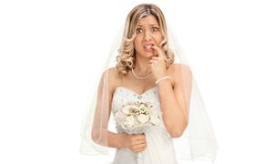 Cô dâu 'gây bão' với mẹo đi vệ sinh khi mặc váy cưới