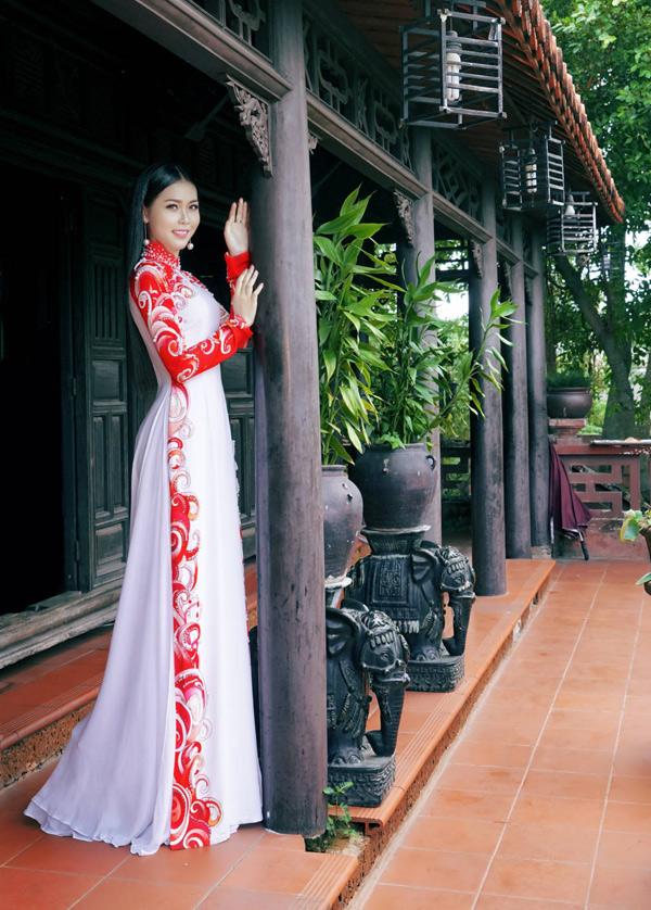 Hoa hậu, Á hậu biển Việt Nam toàn cầu đọ dáng với áo dài - 1