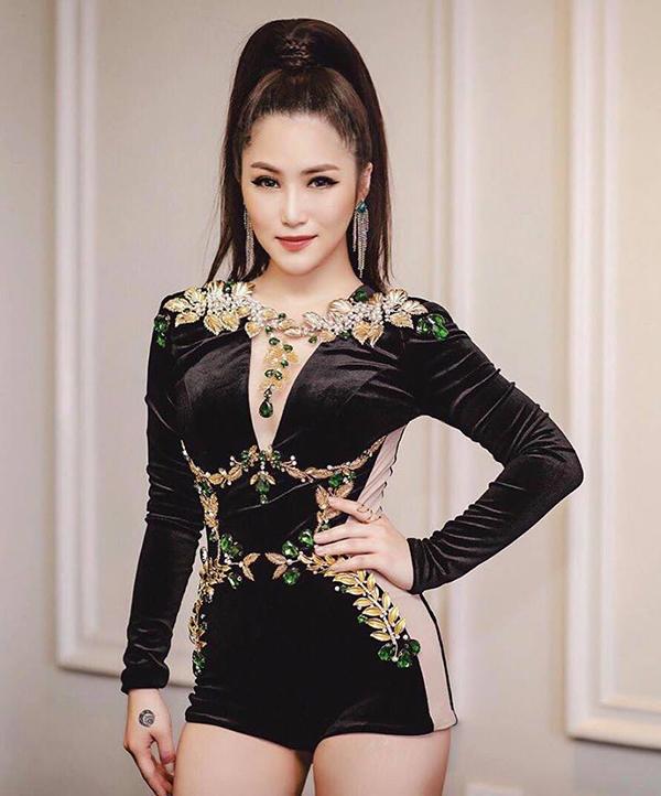 Mỹ nhân Việt hâm nóng mốt váy nhung - 9