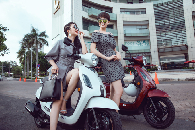 Một chiếc xe tay ga mềm mại, nữ tính và trông thời thượng sẽ thu hút phái đẹp ngay từ ánh nhìn đầu tiên.