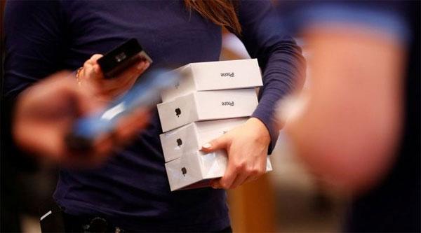 iPhone 2018 có giá từ 699 USD