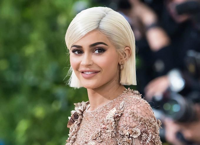 Kylie, 21 tuổi, sở hữu công ty mỹ phẩm 420 triệu USD. Ảnh:TIME.