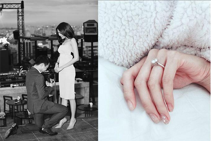 Lan Khuê hạnh phúc khoe chiếc nhẫn đính hôn kim cương khủng nhận được từ bạn trai. Chiều 27/6, cô được doanh nhân Tuấn Johncầu hôn trong không gian lãng mạn tại một toà nhà ở quận 1, TP HCM. Cặp đôi được đồn đoán sẽ về chung một nhà vào tháng 10 tới.