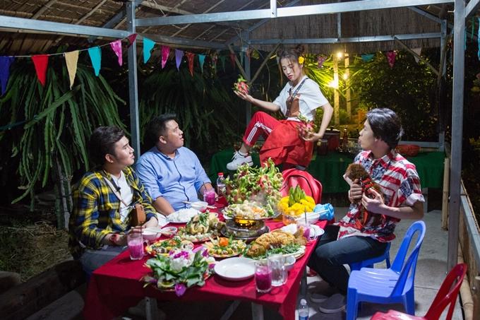 Chuyến đi hưởng tuần trăng mật bất đắc dĩcủa Puka -Diệp Tiên cùng các khách mời sẽ phát sóng vào lúc 17h20 ngày 1/7 trên HTV9.