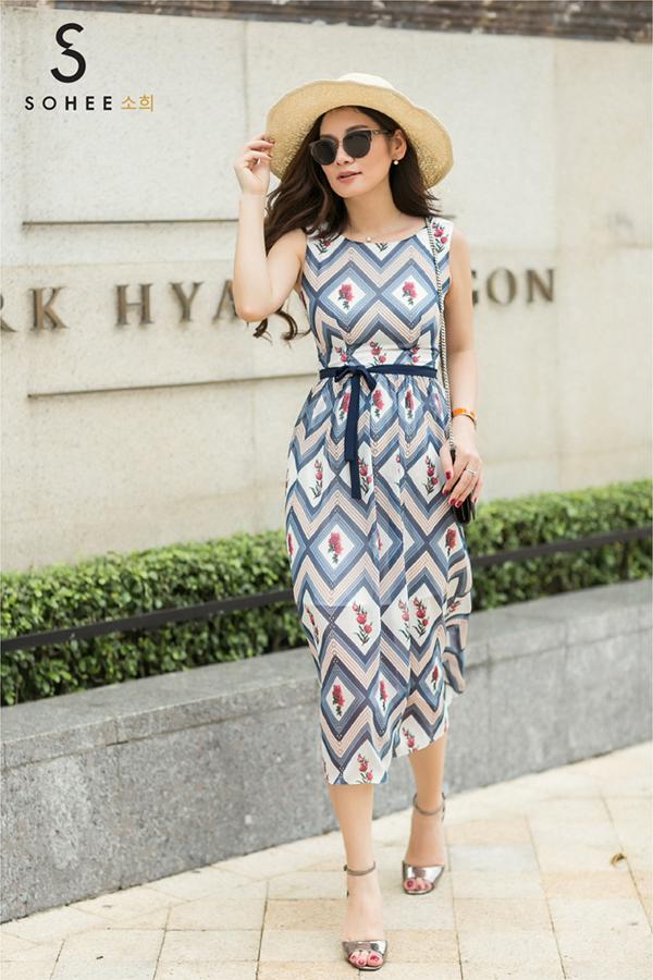 Doanh nhân Hà Bùi cho biết, từ năm nay, thương hiệu sẽ phát triển thêm mảng trang phục đường phố bên cạnh dòng thời trang công sở quen thuộc cho Sohee. Chiến lược này xuất phát từ chính nhu cầu về ăn mặc củacác khách hàng.