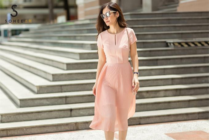 Theo doanh nhân Hà Bùi, mặc đẹp là một trong những yếu tố giúp phụ nữ tự tin hơn. Sohee định hướng giúp chị em hoàn thiện vẻ đẹp bên ngoài với việc tạo dựng phong cách thời trang hợp cá tính.