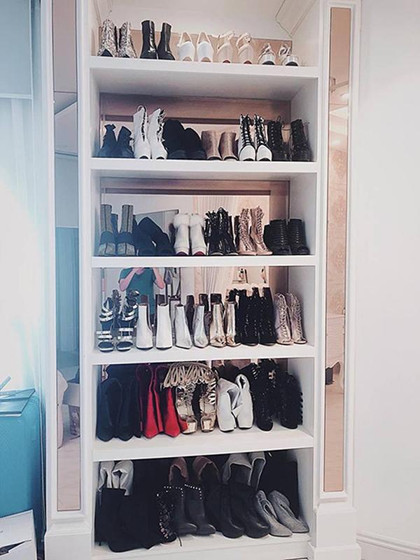 Bảo Thy từng khiến nhiều người choáng váng khi chi hơn trăm triệu sắm 15 đôi giày hiệu cùng lúc.