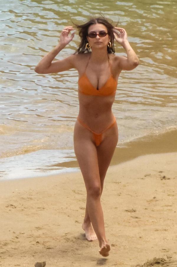 Mỹ nhân Hollywood diện quần bơi siêu nhỏ đốt mắt người nhìn - 7