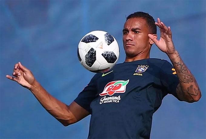 HLV Tite cũng đón tin vui với sự trở lại của hậu vệ Danilo.