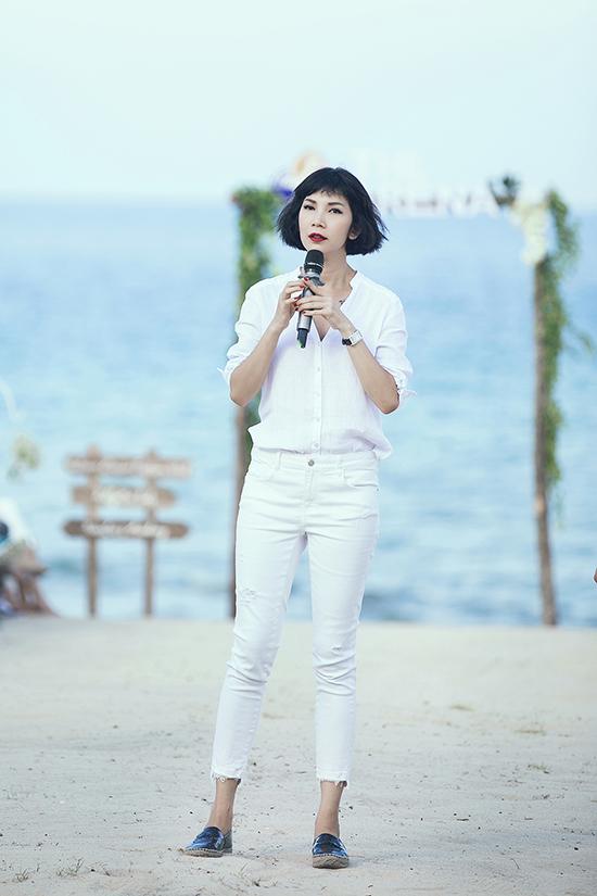 Xuân Lan trẻ trung và khoẻ khoắn trong buổi khai mạc Tuần lễ thời trang trẻ em tại Cam Ranh.
