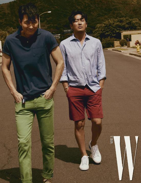 Trong khi Lee Jung Jae hào hoa, bóng bẩy, Ha Jung Woo lãng tử, thanh lịch,Jung Woo Sung (trái) có phần bụi bặm, khỏe khoắn.