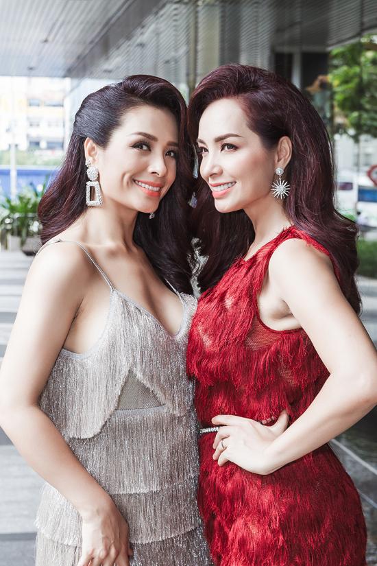 Mặc dù đã rời xa sàn catwalk nhiều năm nhưng Thuý Hằng - Thuý Hạnh vẫn tích cực hoạt động trong showbiz. Hai chị em đều có sự nghiệp khá vững vàng và tổ ấm hạnh phúc, được khán giả ngưỡng mộ.