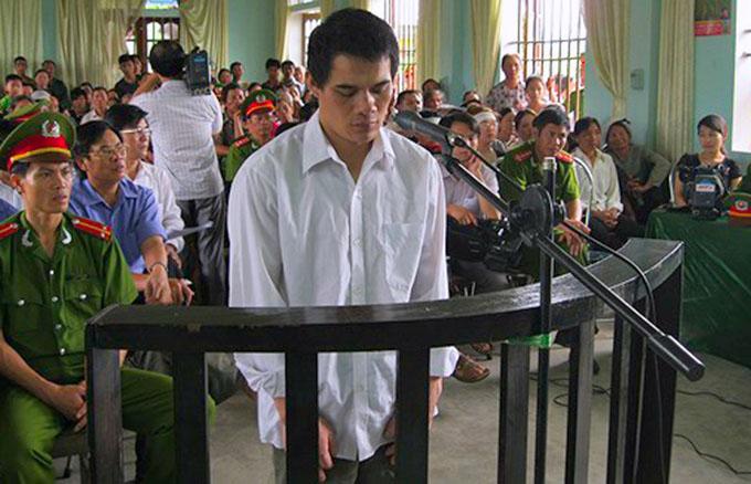 Trần Viết Kỷ tại phiên tòa 6 năm trước. Ảnh: C.A