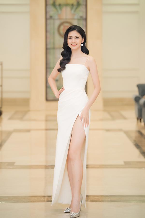 Dàn Hoa hậu, Á hậu lộng lẫy xem show thời trang của NTK Hà Duy - 1
