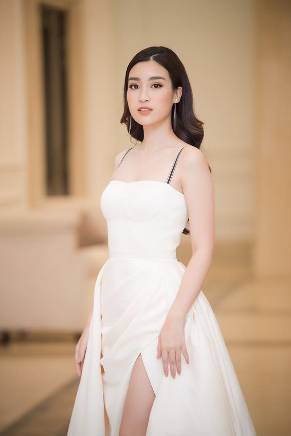 Dàn Hoa hậu, Á hậu lộng lẫy xem show thời trang của NTK Hà Duy - 5
