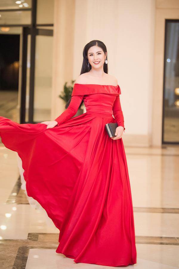 Dàn Hoa hậu, Á hậu lộng lẫy xem show thời trang của NTK Hà Duy - 7