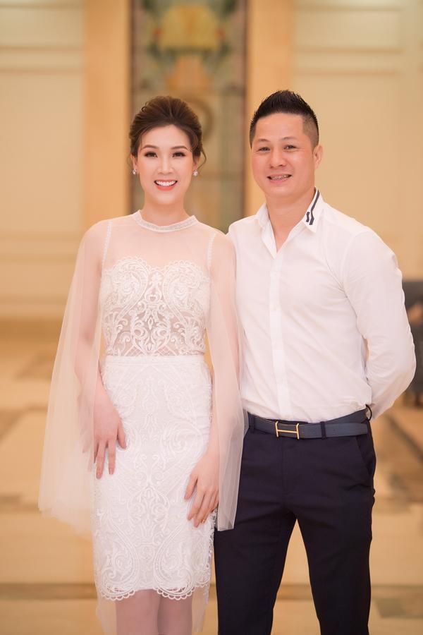 Dàn Hoa hậu, Á hậu lộng lẫy xem show thời trang của NTK Hà Duy - 11