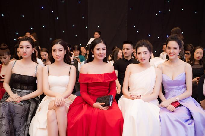 Dàn Hoa hậu, Á hậu lộng lẫy xem show thời trang của NTK Hà Duy - 4