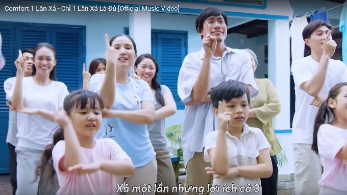 Cát Tường, Kiều Minh Tuấn quậy tung xóm trong MV mới - 1