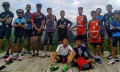 Đội bóng thiếu niên Thái Lan chưa được giải cứu sau 9 ngày kẹt trong hang