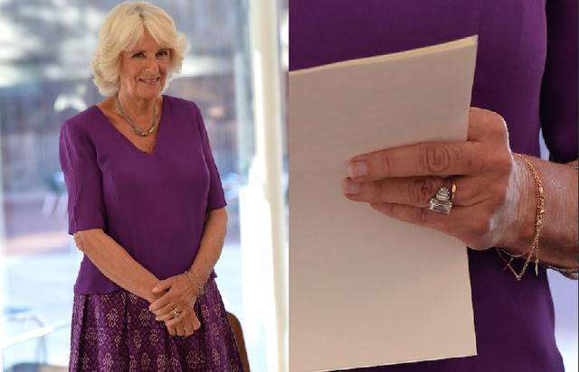 Tuần trước, Công tước xứ Conrnwall Camilla Parker Bowles đã thực hiện nhiệm vụ hoàng gia mà không có chồng bên cạnh. Trong lúc bà phát biểu và ký tặng sách tại lễ giới thiệu hội viên 40 người dưới 40 tuổi của Hội Văn học Hoàng gia Anh, mọi người chú ý tới chiếc nhẫn kim cươnglấp lánh trên bàn tay bà.