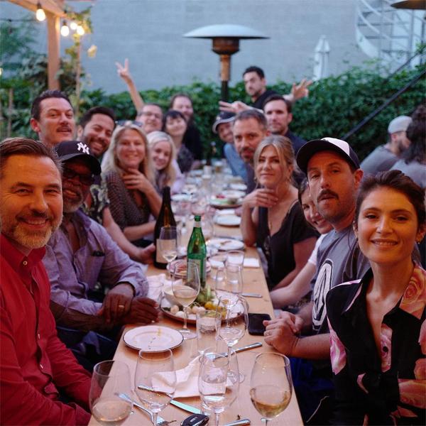 Aniston tham dự bữa tiệc cùng các đồng nghiệp vào tuần trước.