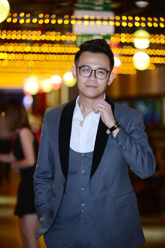 MC Đức Bảo đảm nhận vai trò dẫn dắt sự kiện ra mắt phim tối qua.