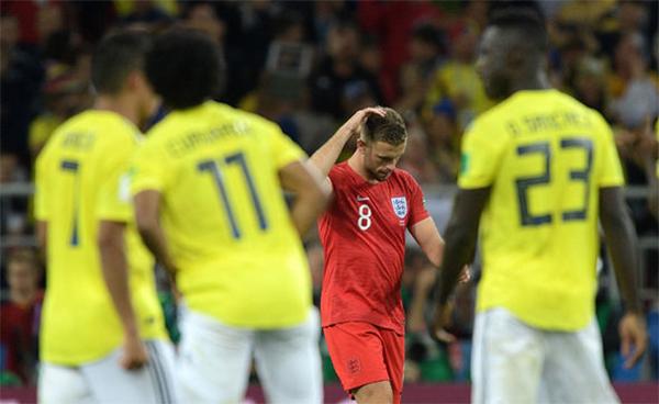 Henderson suýt chút nữa trở thành tội đồ của tuyển Anh khi sút hỏng penalty ở lượt sút thứ ba.