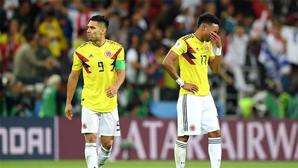 Falcao và đồng đội buồn bã khi phải dừng chân ở vòng knock-out.