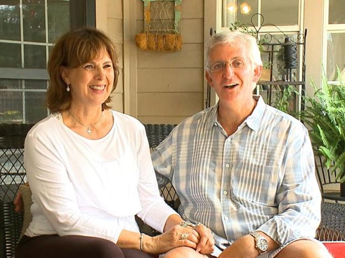Cặp vợ chồng người MỹJaff Hartung và Angela Sartin-Hartung.