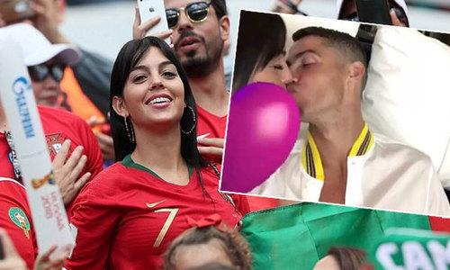 Về nhà sau World Cup, C. Ronaldo quấn quýt bên bạn gái