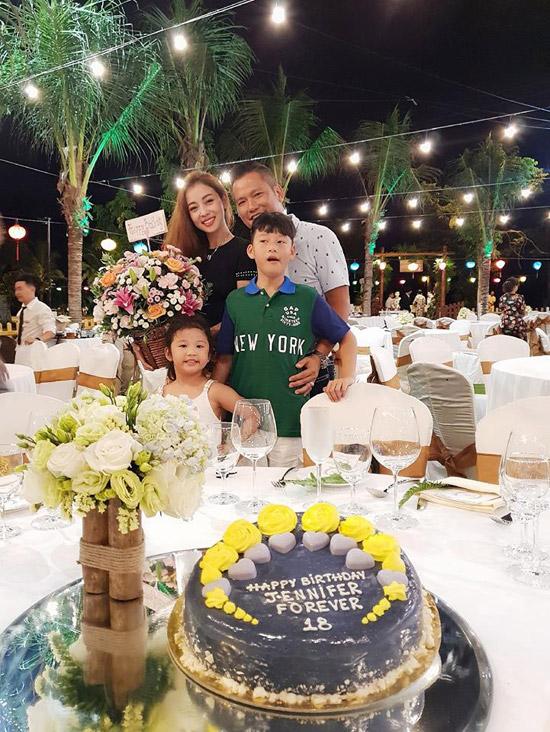 Ông xã thiết kế dây chuyền kim cương tặng sinh nhật Jennifer Phạm - 4